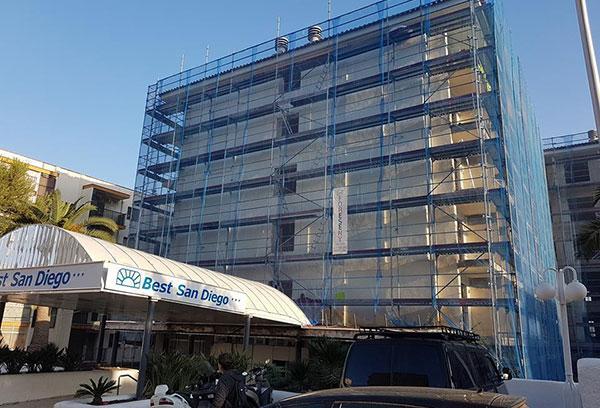 rehabilitación de hotel y fachada