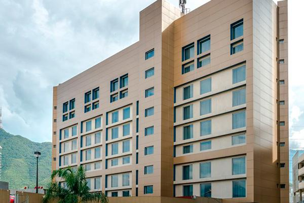 fachadas ventiladas con revestimiento cerámico hotel mexico
