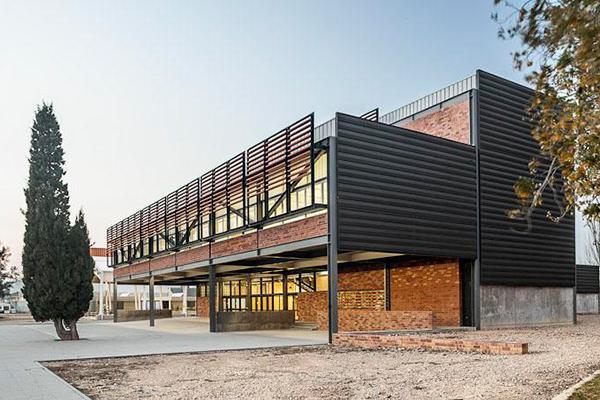fachadas ventiladas con revestimiento cerámico