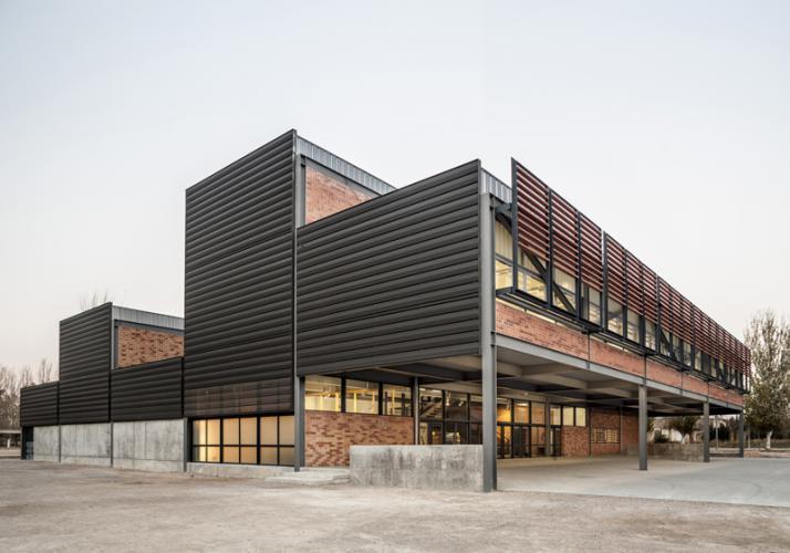 edificio con una eficiencia energética alta