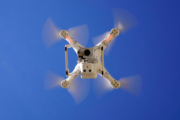 un dron para detectar el estado de las fachadas