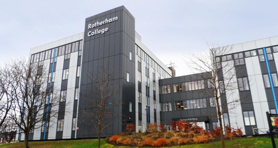 Rotherham College con fachadas ventiladas - Sistema Masa