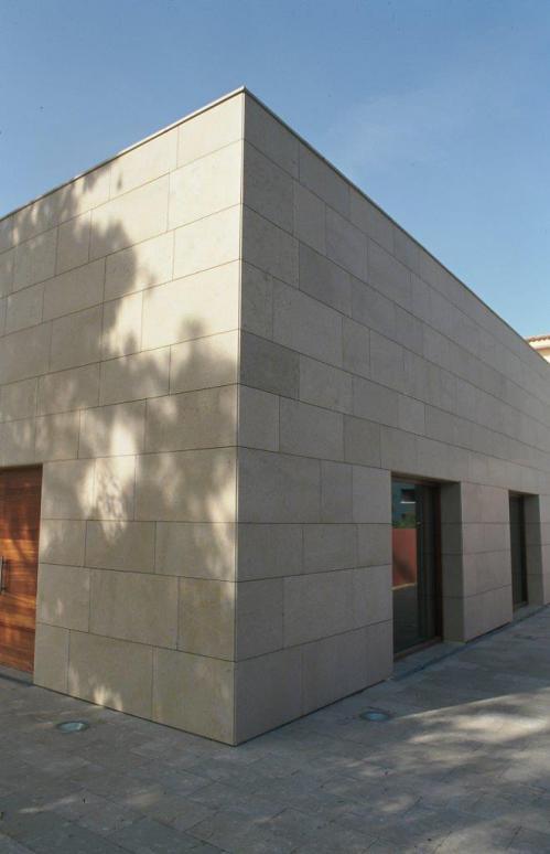 Museo Pau Casals con sistema de fachada ventilada · Sistema Masa