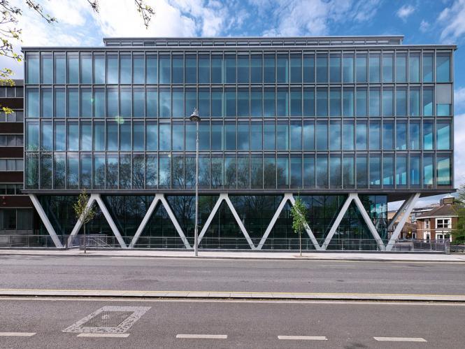 Velasco House con fachadas ventiladas - Sistema Masa