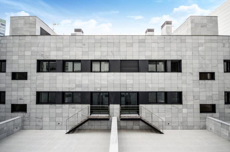 Multi-family building Travessera