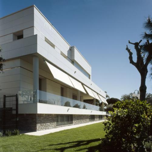 Aislamiento de fachadas ventiladas. Sistema Masa. Vivienda Unifamiliar