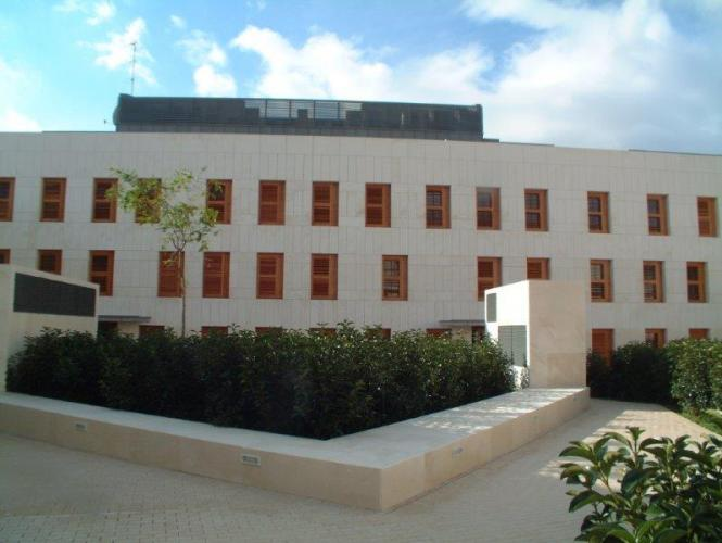 Edificio viviendas Papa Pius con sistema de fachada ventilada · Sistema Masa