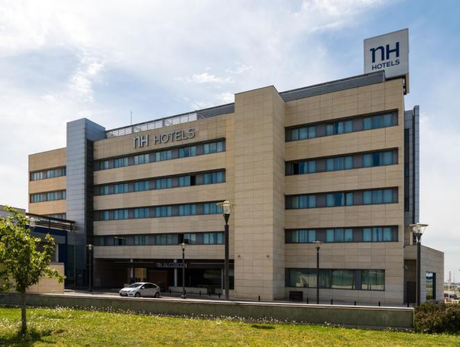 Centro multiusos Alcorcon con sistema de fachada ventilada · Sistema Masa