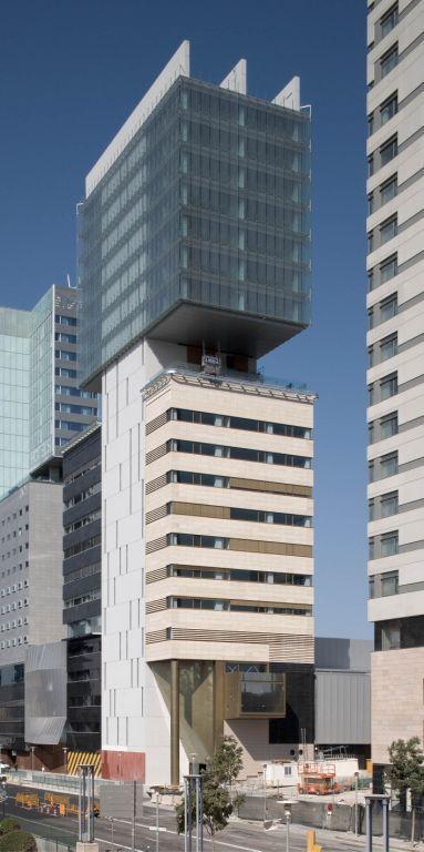 Fachadas ventiladas de las Oficinas Forum - Sistema Masa