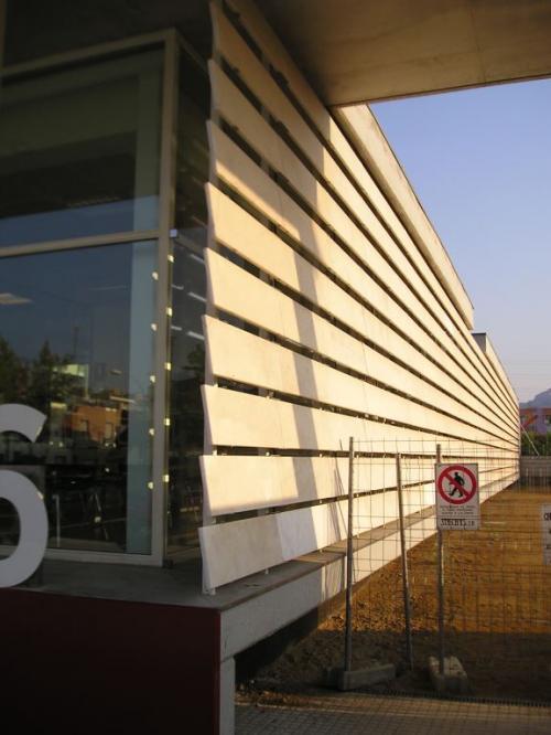 Biblioteca districte 6 - Terrassa con sistema de fachada ventilada · Sistema Masa