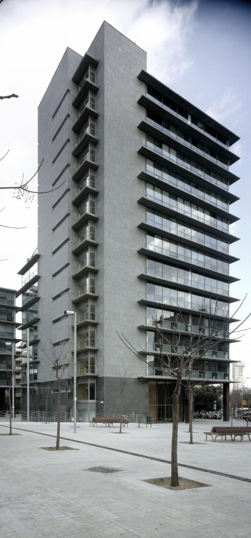 Revestimiento de fachadas de Sistema Masa para edificio de oficinas