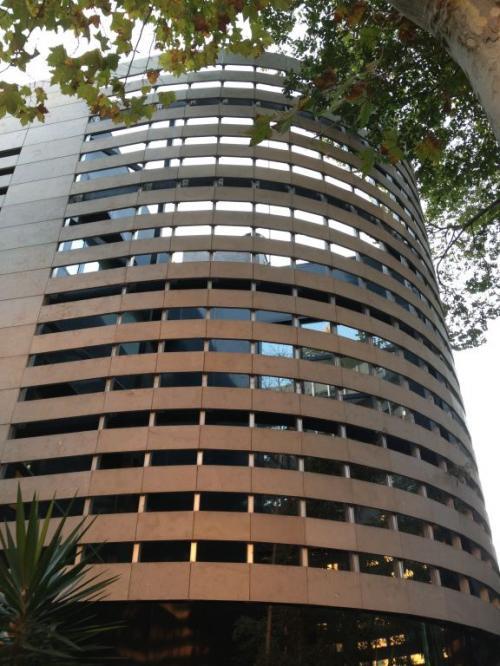 Colegio La Salle Bonanova con sistema de fachada ventilada · Sistema Masa