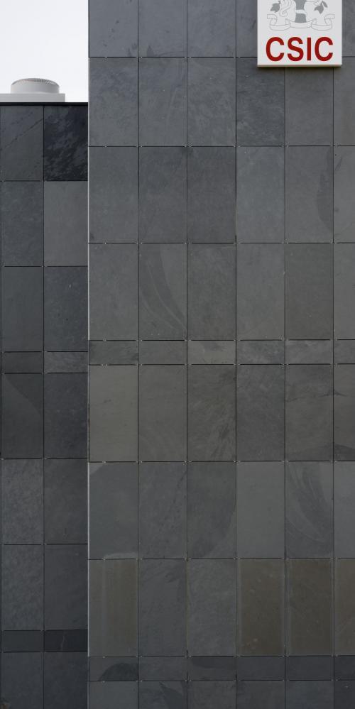 Revestimiento de fachadas. Sistema Masa. Edificio UAB