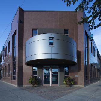 Blue Cross con fachadas ventiladas - Sistema Masa