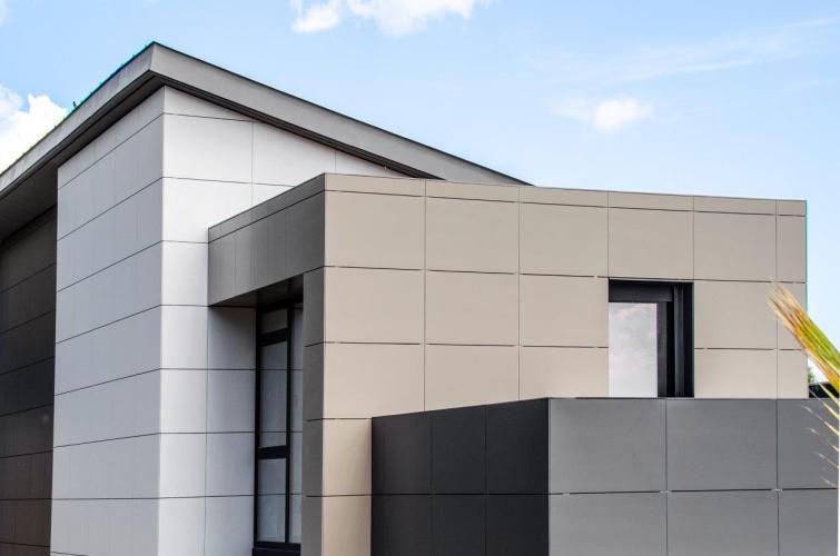 Vivienda Unifamiliar Bigues i Riells fachada ventilada · Sistema Masa