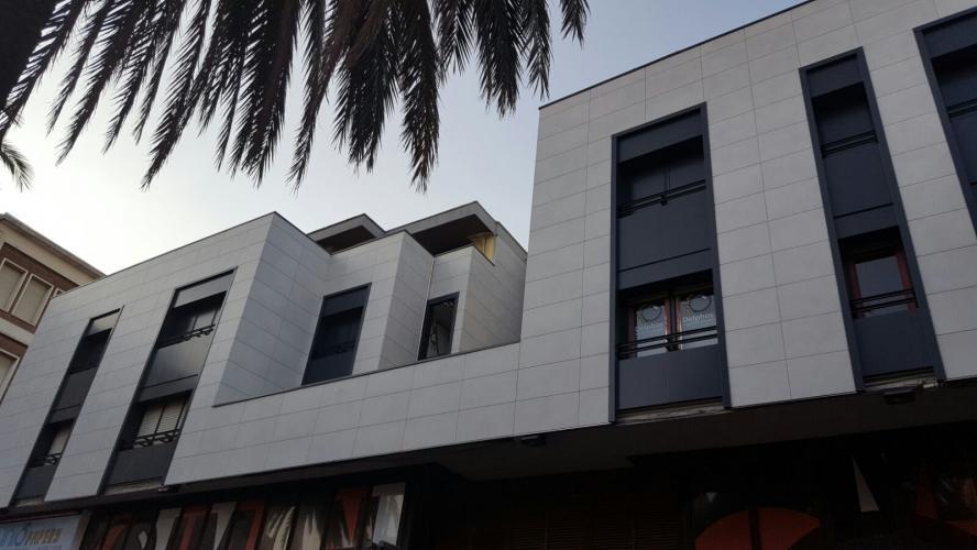 Rehabilitación fachada Terrassa con sistema de fachada ventilada · Sistema Masa