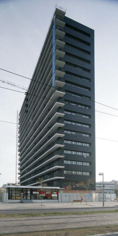Edificio Viviendas Porta Nord