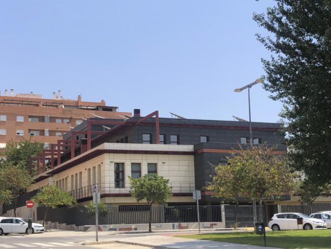 Centro cívico barrio Santa Rita con fachada ventilada · Sistema Masa