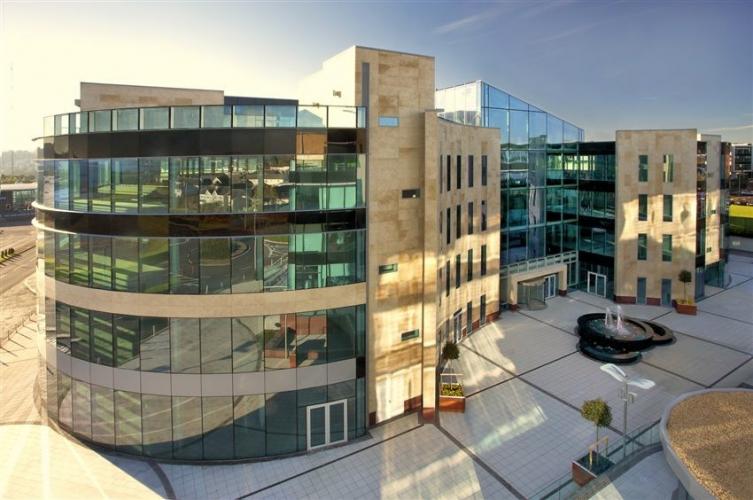 Revestimiento de fachada ventilada- sistema masa - citygate park