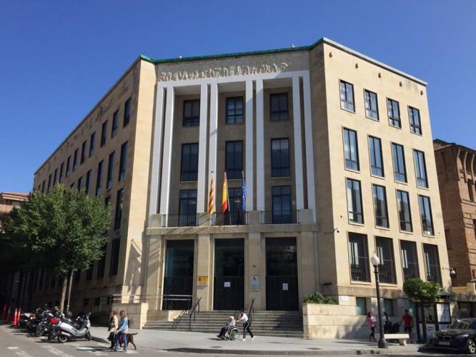 Delegación especial AEAT Tarragona fachadas ventiladas · Sistema Masa