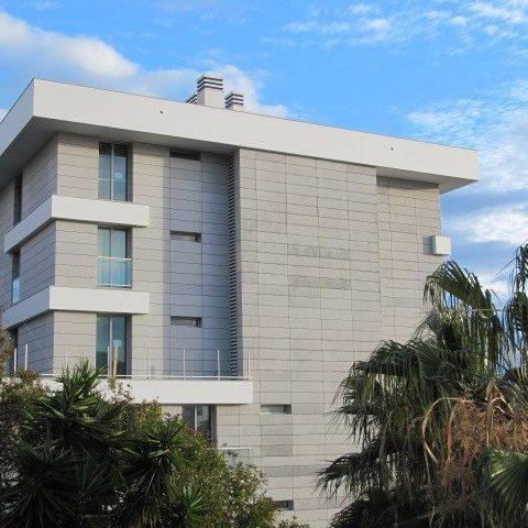 Residencia Ocean Cliff con fachadas ventiladas - Sistema Masa