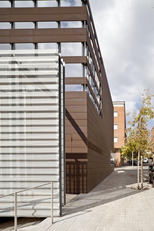Sistema Masa • Revestimiento de fachadas ventiladas de cerámica • Archivo comarcal del Baix Llobregat. Sistema Masa