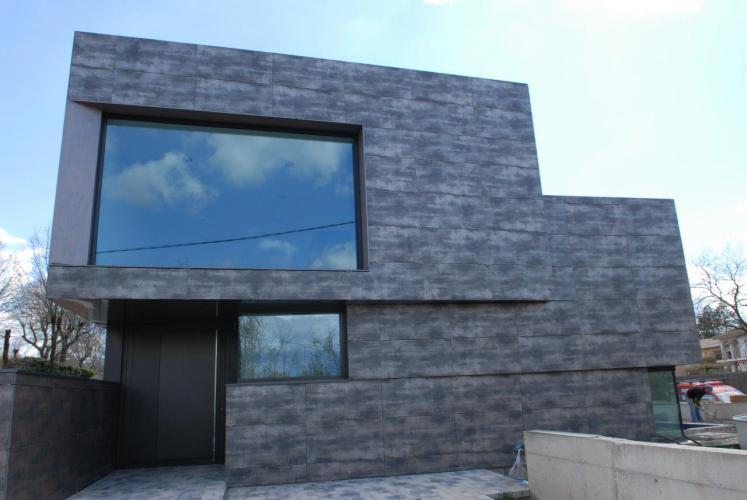 Vivienda Unifamiiar Taradell con sistema de fachada ventilada · Sistema Masa
