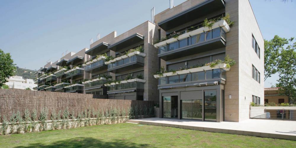 Fachadas ventiladas. Sistema Masa. Edificio de viviendas Ticià