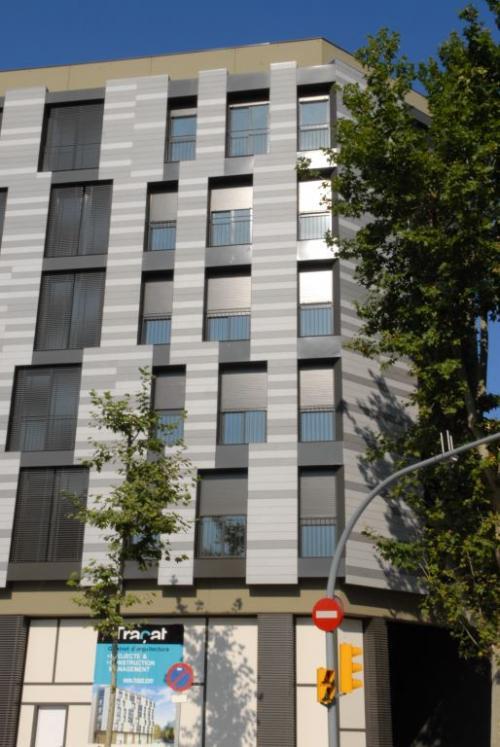 Edificio viviendas Pujades/Llacuna con sistema de fachada ventilada · Sistema Masa
