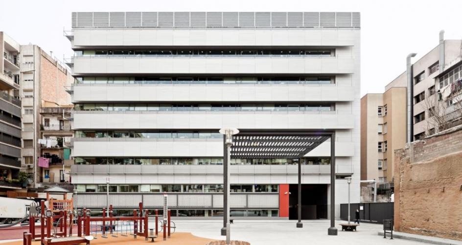 Fachadas ventiladas del centro de Investigación Esther Koplowitz - Sistema Masa