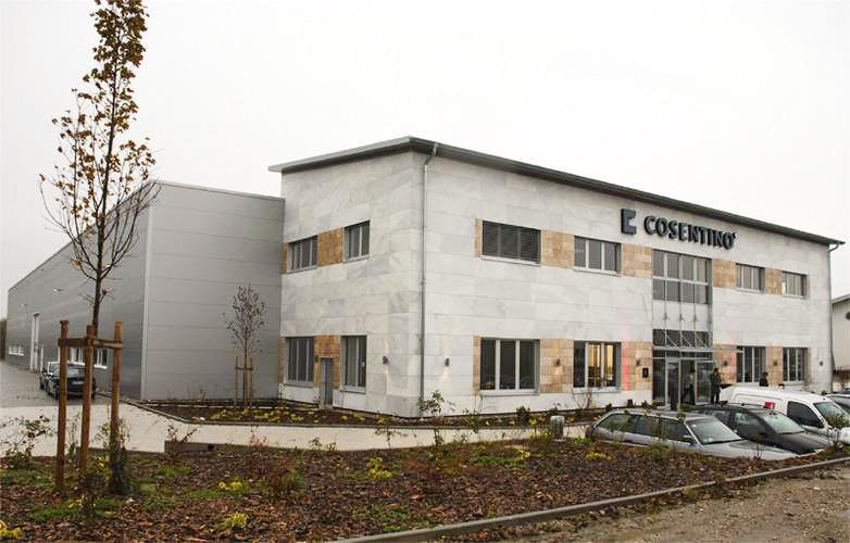 Almacén en Munich con fachadas ventiladas - Sistema Masa