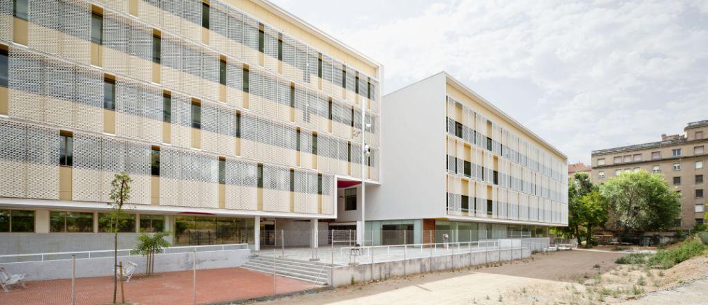 fachadas ventiladas - sistema masa - l'equipament sociosanitari casernes de sant andreu