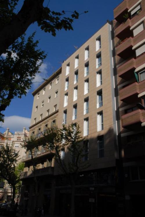 Hotel Century Park con sistema de fachada ventilada · Sistema Masa