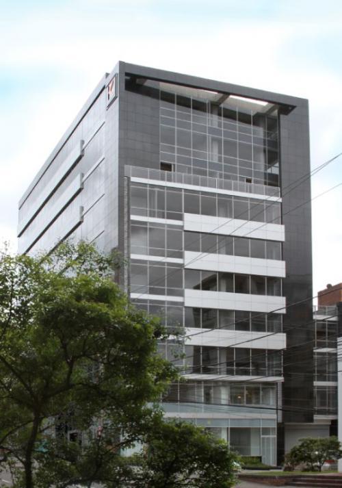 Fachadas ventiladas edificio UNIKA 78