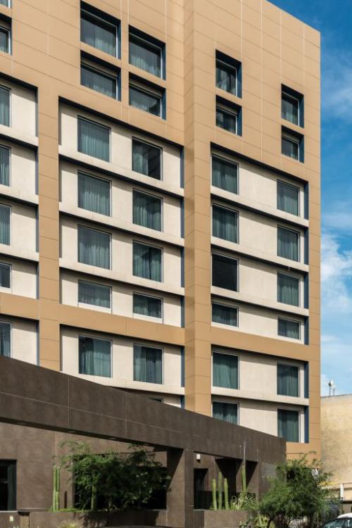 Fachadas ventiladas Hotel Fiesta Inn - Sistema Masa