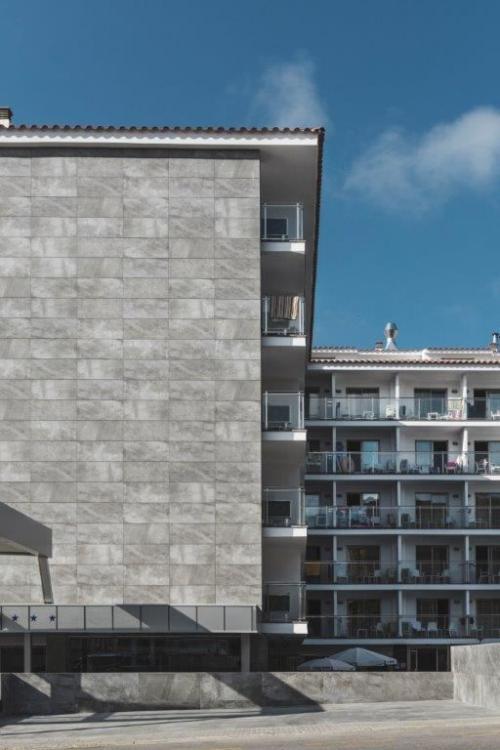 Hotel Best San Diego con sistema de fachada ventilada · Sistema Masa