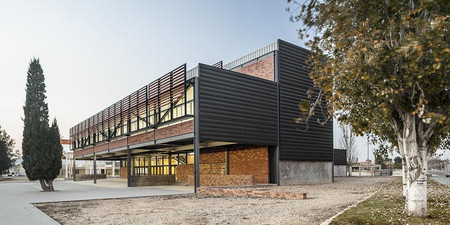 Diseño de fachadas ventiladas Sistema Masa. Escuela de Arte y diseño de Amposta.
