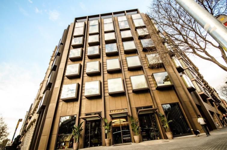 Hotel Almanac con sistema de fachada ventilada · Sistema Masa