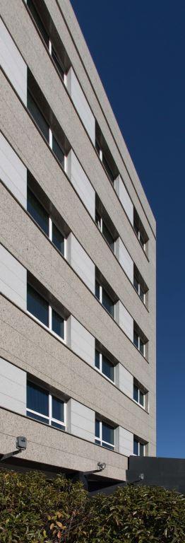 Hotel Pio XII con fachadas ventiladas de Sistema Masa