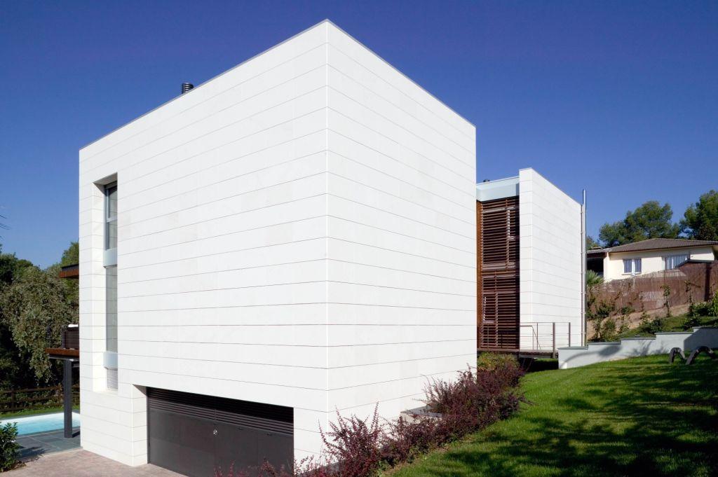 Sistema Masa • Vivienda Unifamiliar Gutes • fachadas ventiladas