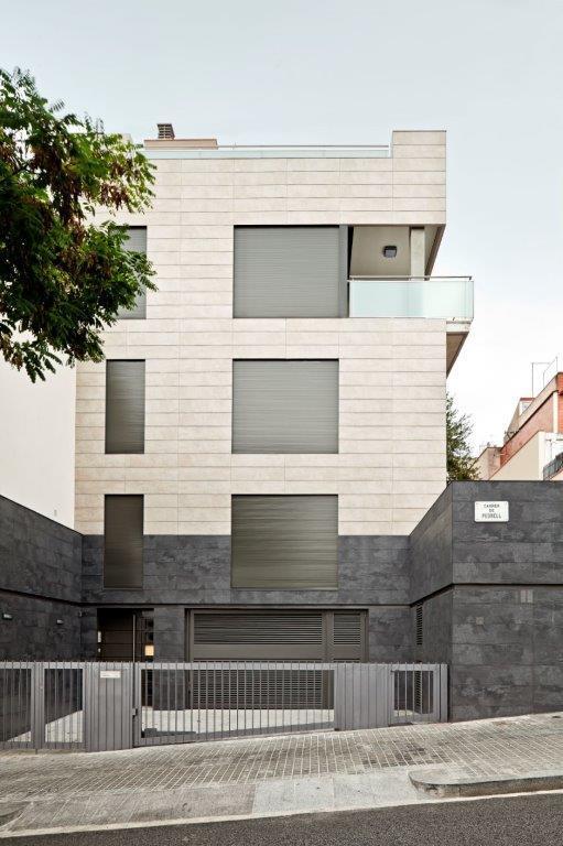 Vivienda Unifamiliar Pedrell con fachadas ventiladas de Sistema Masa