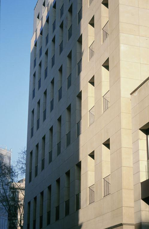 Arquitecto Miquel Montoliu con fachadas ventiladas de Sistema Masa