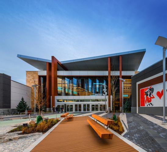 Tsawwassen Mills, BC con fachada ventilada - Sistema Masa
