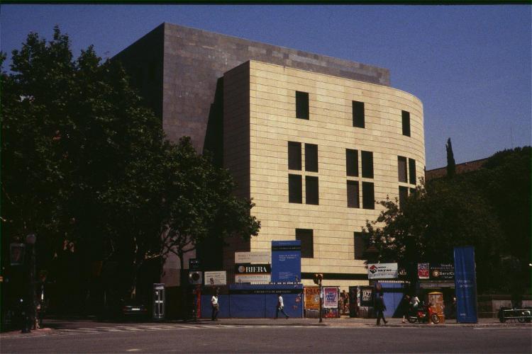 Edificio Josep Carner UB