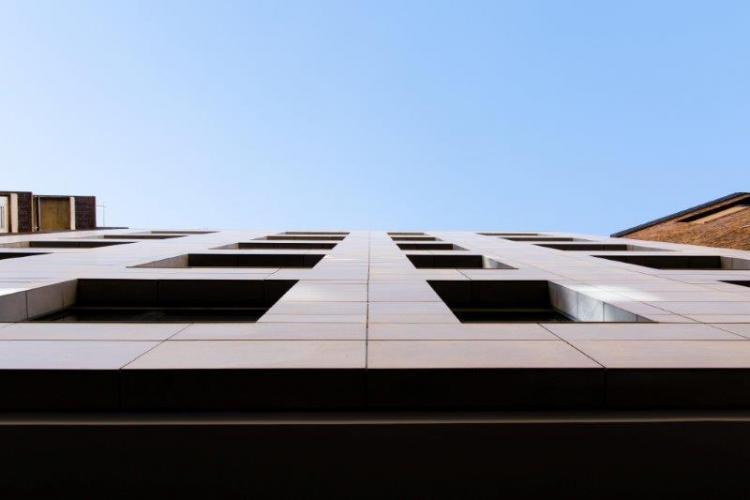 Edificio viviendas Valparaiso con fachada ventilada - Sistema Masa