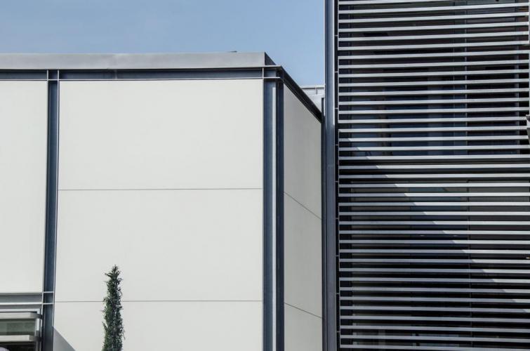 Vivienda Unifamiliar Margenat con fachada ventilada de Sistema Masa