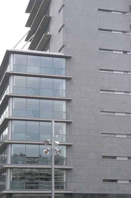 Revestimiento de fachadas ventiladas de Sistema Masa para edificio de oficinas