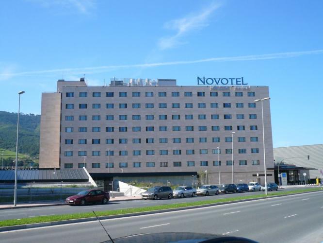 Novotel Bilbao Exhibition Center con fachadas ventiladas de Sistema Masa