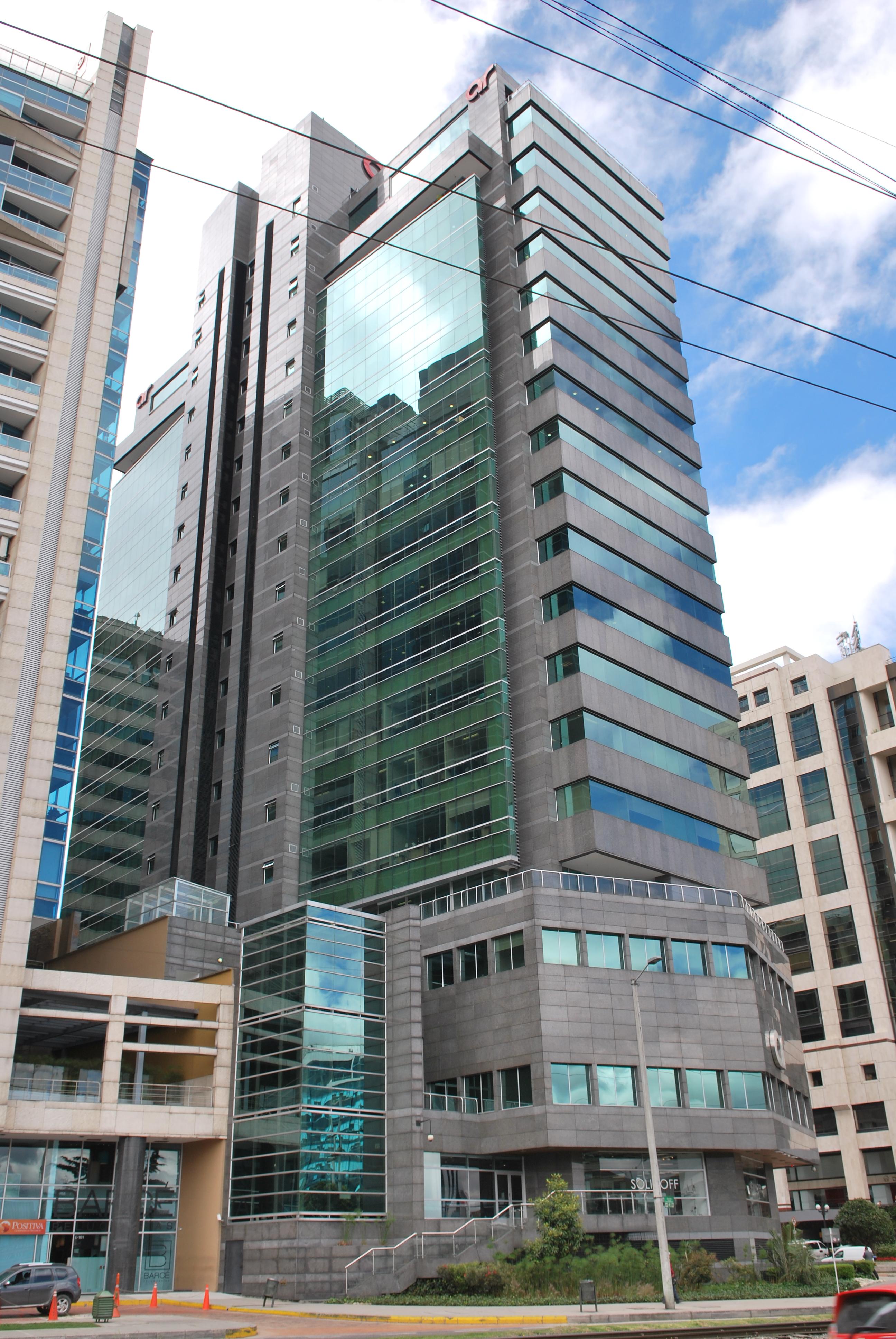 Sistemas de sujeción y de fijación de fachadas ventiladas de Sistema Masa. Torre AR