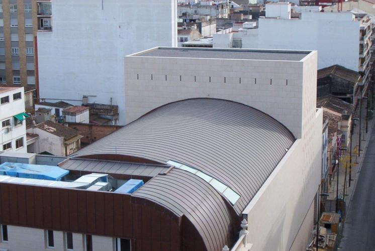 Ampliación teatro Serrano con fachada ventilada - Sistema Masa